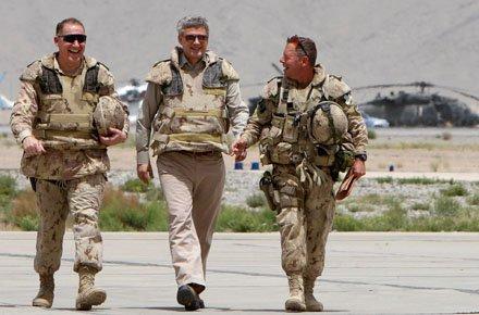2012_04_HarperinAfghanistan.width-440.jpg